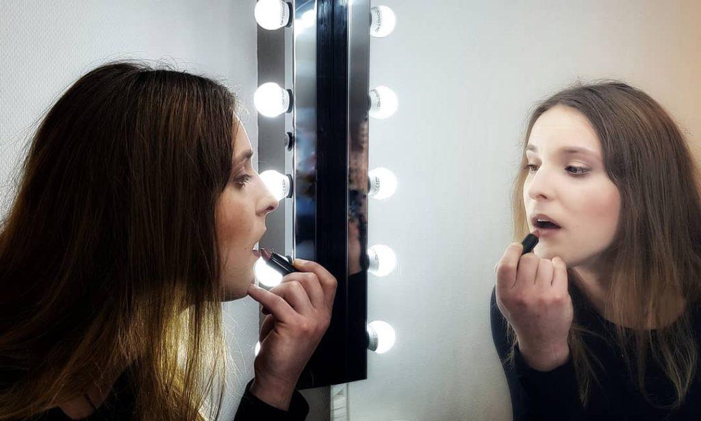 workshop transgender make-up